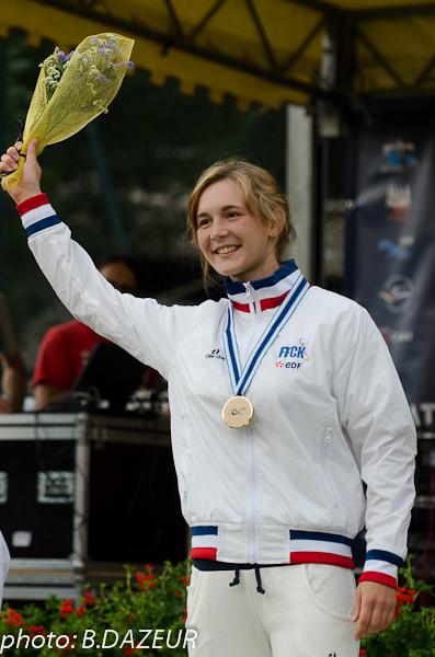 championnats_du_monde_descente_2014_podium_hostens