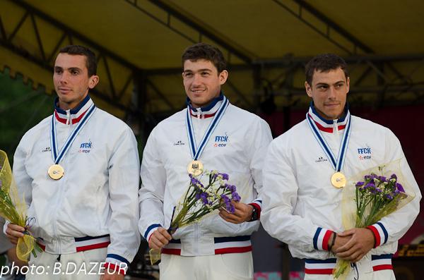championnats_du_monde_descente_2014_podium_patrouille_KH