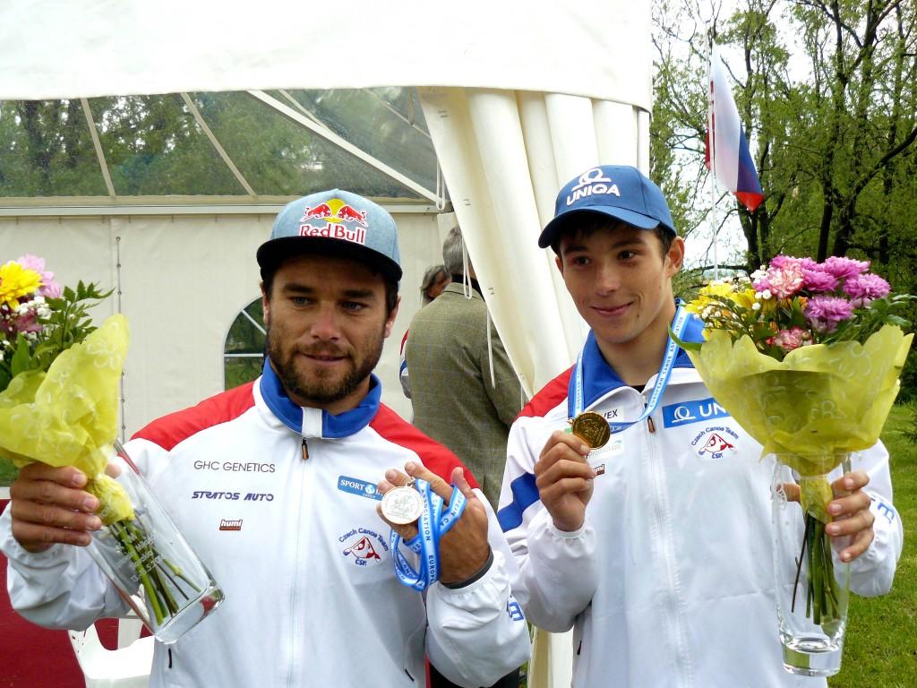 Jiri Prskavec (à droite) domine la super-star Vavra Hradilek pour le ticket Olympique
